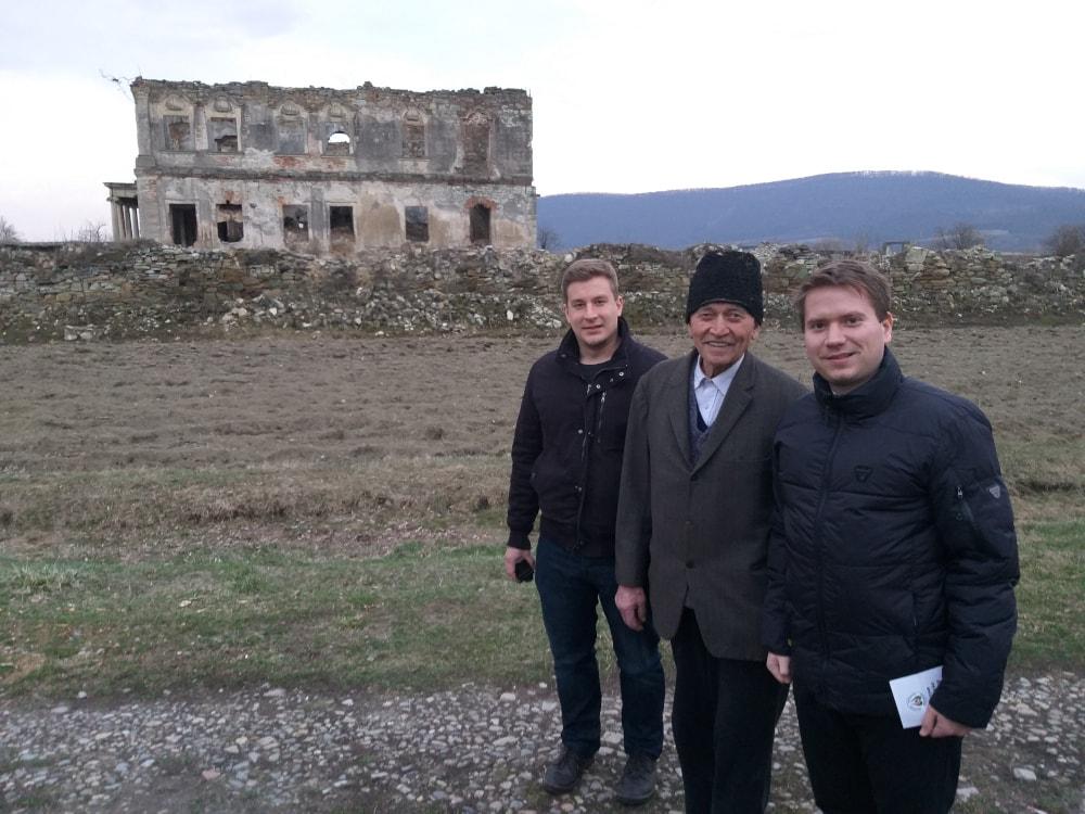Találkozás Gavril bácsival Kapjon kastélyánál