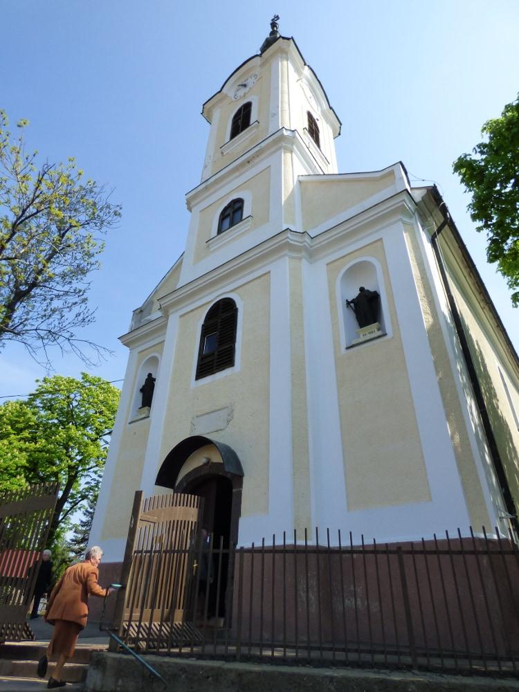 A Szent Péter és Pál templom Abasáron