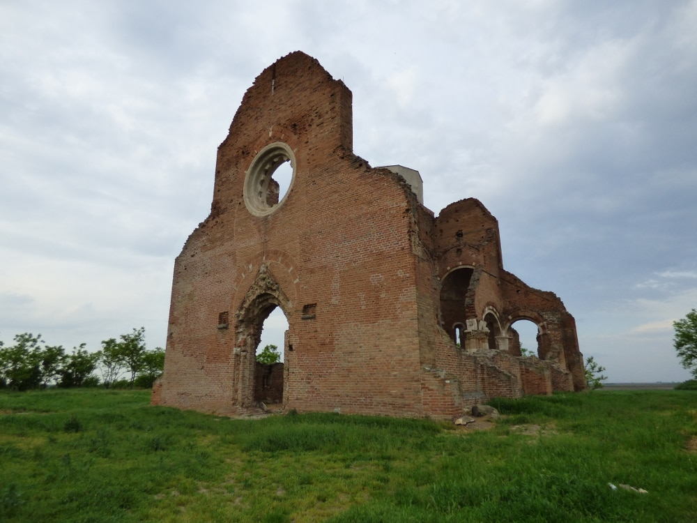 Az aracsi pusztatemplom a Délvidék egyik jelképe