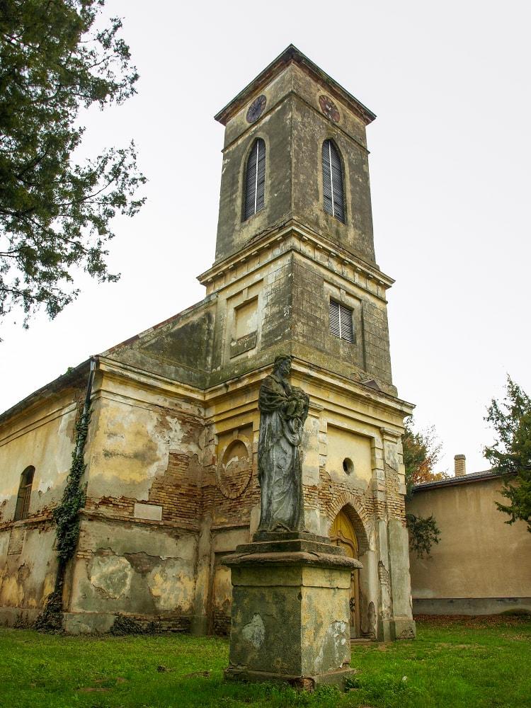 A bontásra ítélt németcsernyei templom