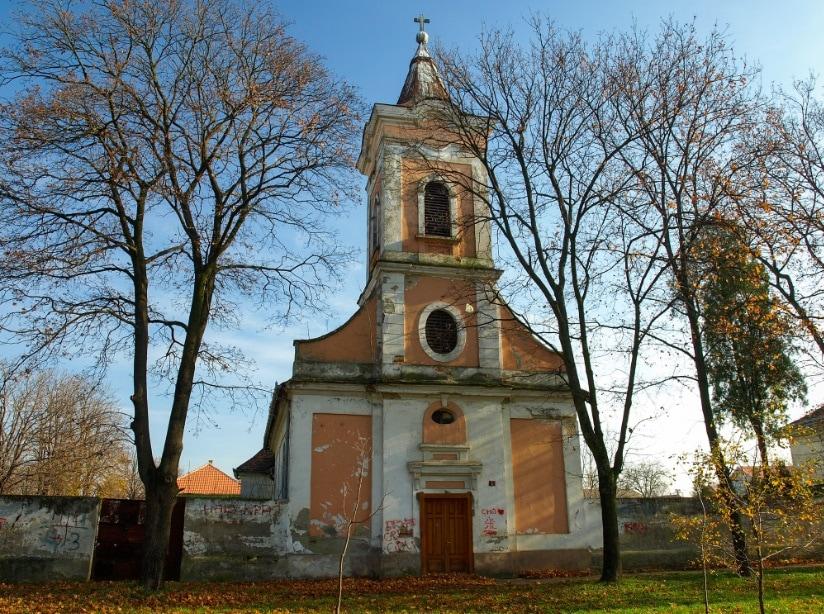 Perlaszváros csaknem 250 éves templomáért rajtunk kívül a helyi hívek is küzdenek